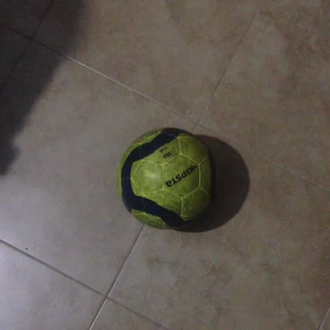 Vine by LOS VINES DEL TÓBAL - No doy pie con bola
