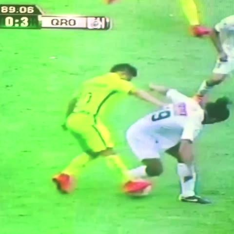 Vine by Javiercillo - RONALDINHO bailó al América en el Azteca. #Ronaldinho #EstadioAzteca