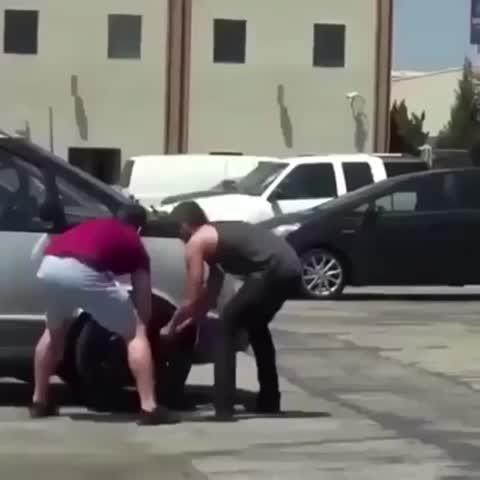 Vine by Best Pranks - Tyre robbing prank 😂