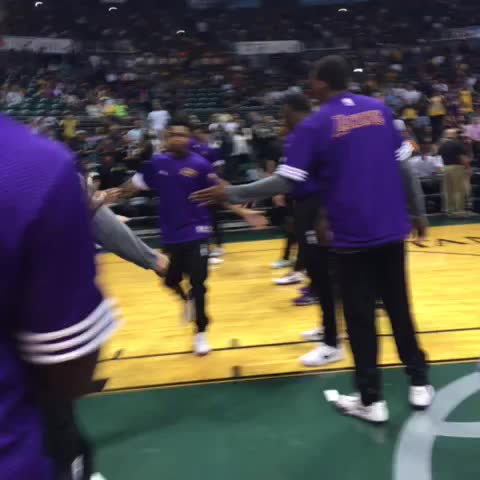 Intros - Vine by Lakers - Intros