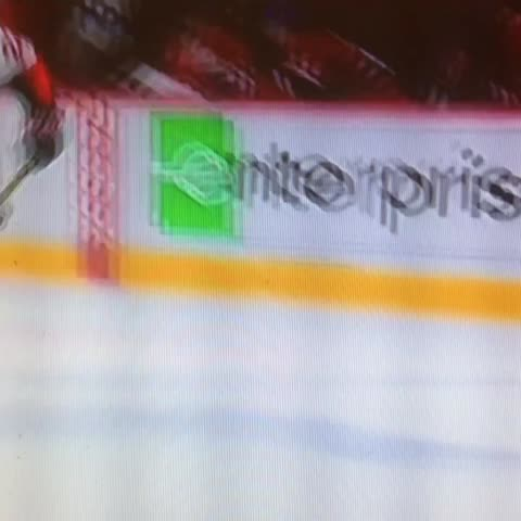 Vine by HockeyNightInCanada - Game 6 anyone? Goal by Erik Condra. 4-1 Ottawa in the third. #nhlplayoffs #hnicchat