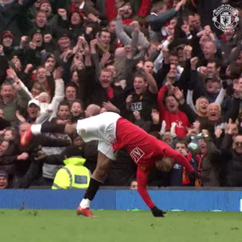 Vine by Manchester United - On #PancakeDay, a tribute to one guy who definitely knew how to flip - Nani! #mufc