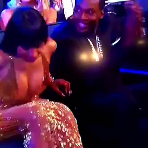 Vine by omar gHonim - Why meek look like a supportive ass girlfriend 😂😂😂