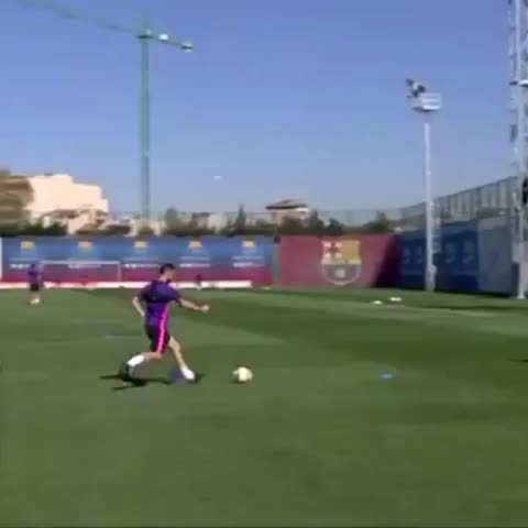 Vine by FC Barcelona - [AMAZING SKILL] The impossible basket hit in the FC Barcelona  training session #skillsFCB #skills #basketball