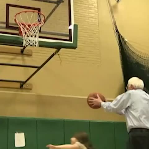 Vine by CNN Politics - When youve won the #NHPrimary, but 🏀 is life #BernieSanders #CNN #News #Politics #FITN