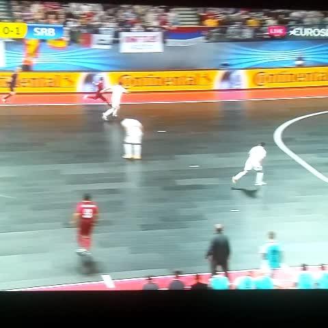 Vine by Nacho Atanes - Ay mi madre el gol Ricardinho. Viva el futbol sala!