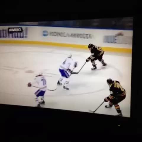 Tyler Ennis doing Tyler Ennis things #sabres - J_Kols post on Vine