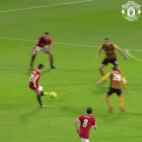Vine by Manchester United - Robins rocket sealed a 3-0 win for #mufc against Hull in November.
