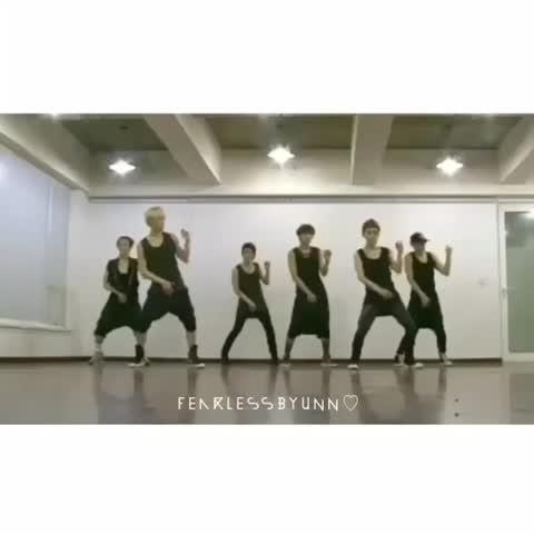 Vine by Fearlessbyunn♡ - เสื้อกล้าม เสื้อกล้าม เสื้อกล้าม เสื้อกล้าม เสื้อกล้าม เสื้อกล้าม เสื้อกล้าม เสื้อกล้าม เสื้อกล้าม #EXO 😍👍🏻