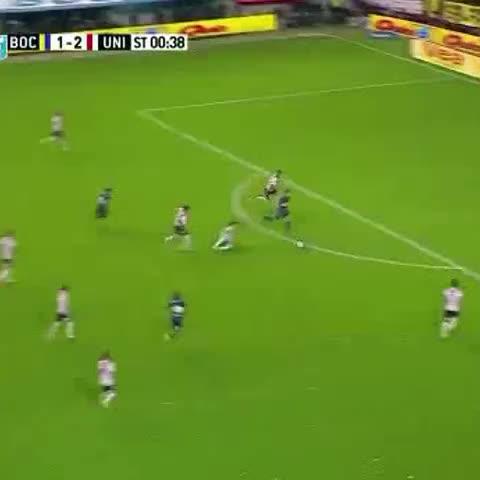 Vine by Boca Juniors - Mirá el gol de #Tevez para el 2-2 parcial.