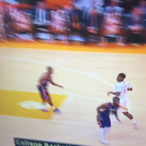Vine by Rocky Top Insider - The early work by Armani Moore to fight for position leads to an easy bucket.