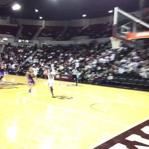 Vine by Hail State Mens Hoops - Ready in transition!!! Bulldogs lead 65-61, 30 seconds left in the game. #HailState
