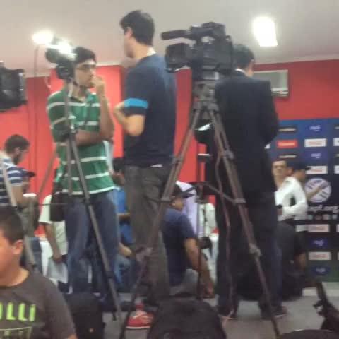 Vine by Selección Paraguaya de Fútbol - ¡Los medios de prensa listos! En minutos inicia la Conferencia de Prensa del DT Ramón Díaz.