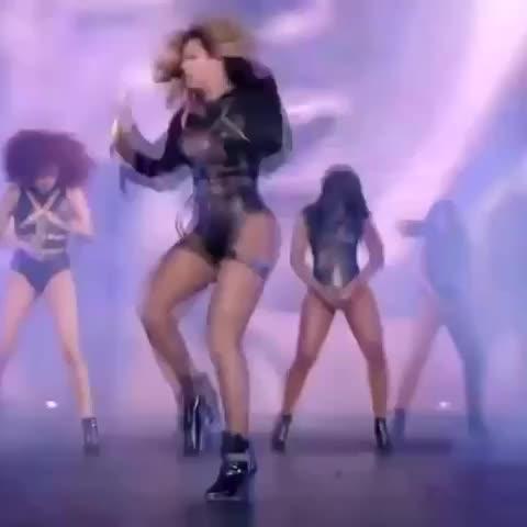 Vine by Deshun. - Beyoncé be on beat to everything, I swear👌🏾🐝 #beyonce #beyhive #perfectloop #liljon