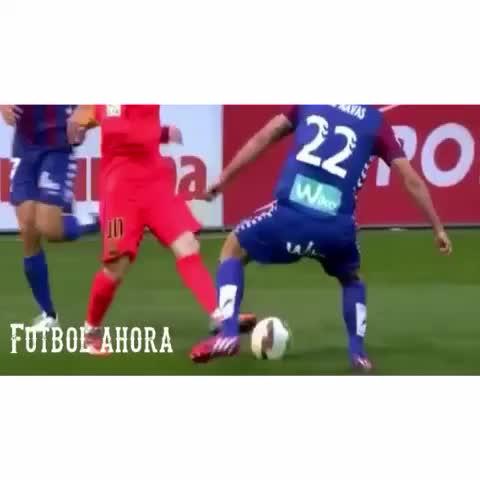 Vine by Futbol ahora - #LeoMessi ???? #crack #skills #messi