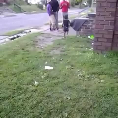 "Vine by DADDYNEXTDOOR - This nigga wen 0 to Suspect real quick 👀👀👀 😂😂😩 ""Aww Shit"""
