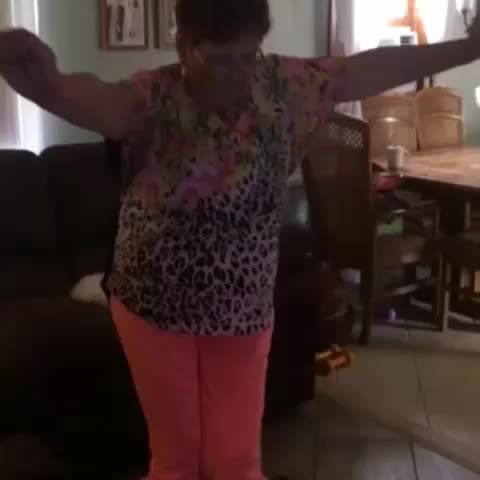 Negros post on Vine - Who granny is this!! 😂😂 - Negros post on Vine