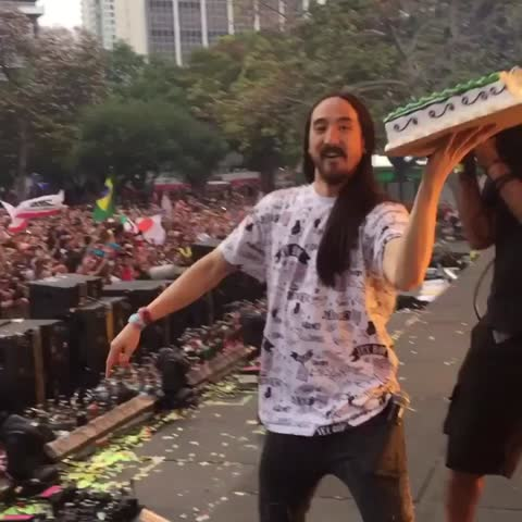 Vine by Lele Pons - When you have the worst luck🙈😮 #ultra2015 w/ Steve Aoki