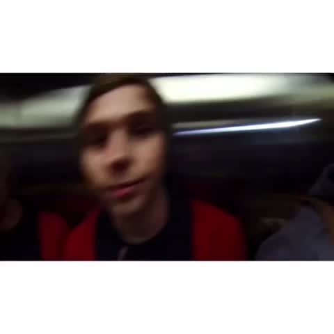 Vine by 5 Seconds of Summer - JUST LOOK AT HIM I WANT TO KISS YOUR FACE MICHAEL