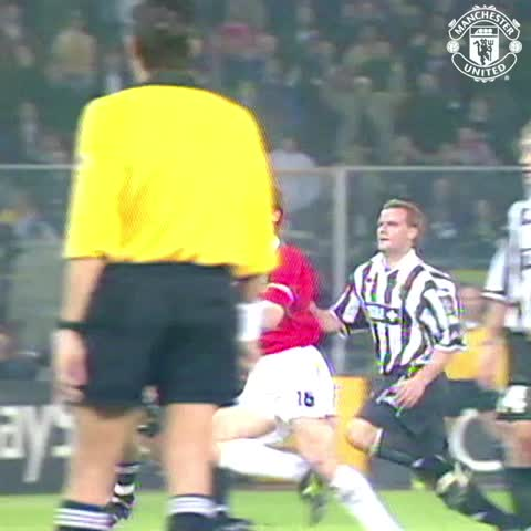 Vine by Manchester United - On this day in 1999, Roy Keane sparked a memorable #mufc comeback away to Juventus...