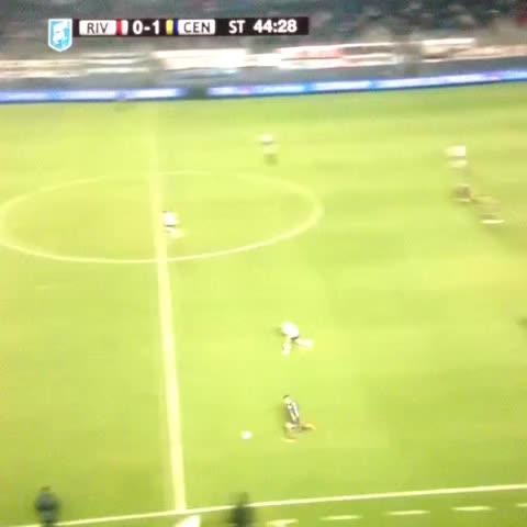 Vine by TodoFutbolArg - El golazo de Jonás Aguirre para el 2-0 de Rosario Central ante River