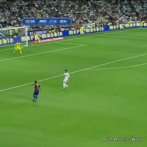 "Watch SoccerVines's Vine ""David Villa beutiful finesse ..."