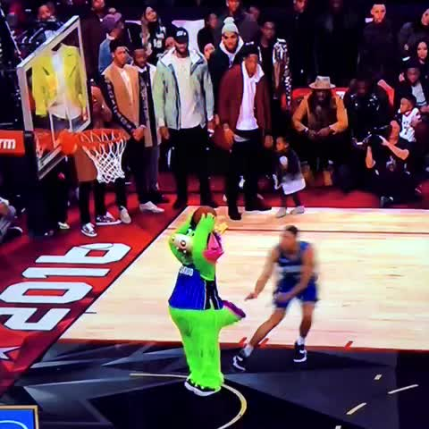 Vine by brianp - I mean look at this form. Over a mascot lounging in mid air... So robbed. Gordon is the real champ.