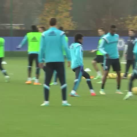 Chelsea FCs post on Vine - Training at Cobham... #CFC #Chelsea - Chelsea FCs post on Vine