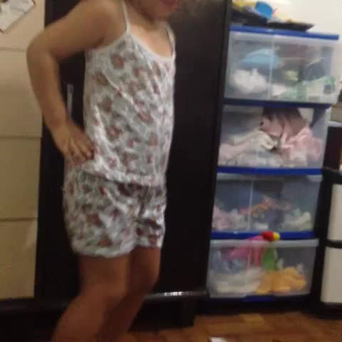 Vine by Tay @singscabello - MY BABY HAVE CLASSES WITH Normani Kordei AND DinahJane97  😂💃❤️ #boss #reflection