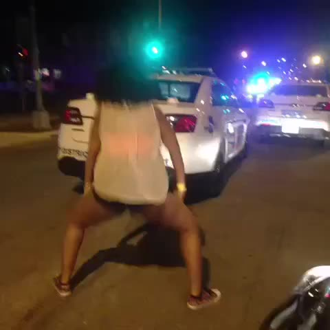 Vine by Viral Vines - When u boutta get arrested but just beat your high score in Color Swirl