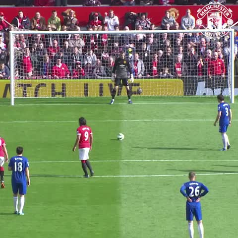 Vine by Manchester United - David De Gea was on top of his game when #mufc last played Everton. #DaveSaves