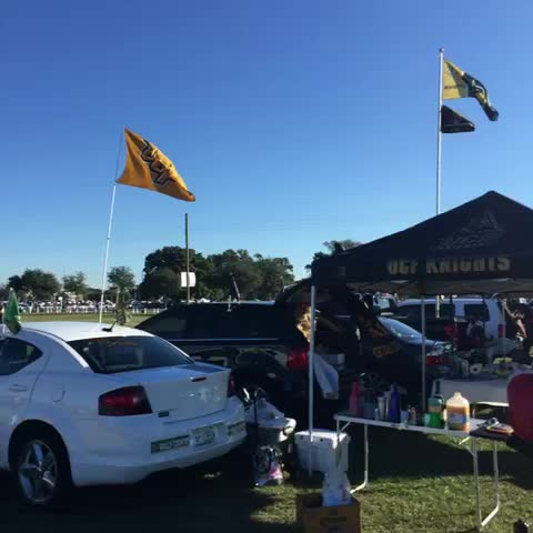 UCF Knightss post on Vine - #UCF fans rolling into Lot 9! #TakeoverTampa - UCF Knightss post on Vine