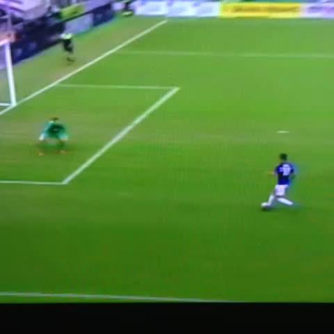 Ocasión que falla increíble Correa. - Vine by Inter de Milán - Ocasión que falla increíble Correa.