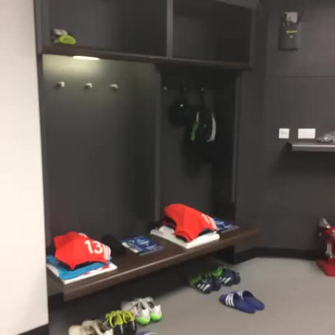 Vine by Chelsea FC - A look around the #ChelseaFC changing room at Wembley... #CFC