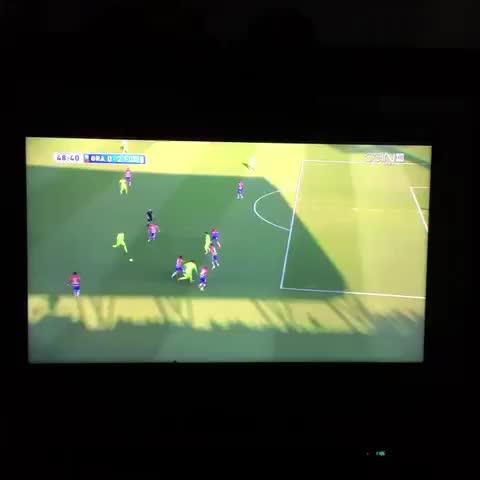 Vine by Messi Neymar Suarez - Golazo de Luisito Suárez VS Granada El pistolero está de regreso Crack VISCA BARÇA @LuisSuarez9