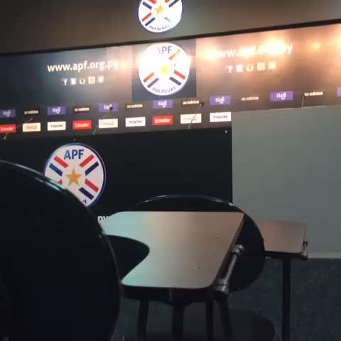 Vine by Selección Paraguaya de Fútbol - En minutos (12:00) nuestro DT Ramón Díaz presenta al cuerpo técnico de la #Albirroja #VamosParaguay
