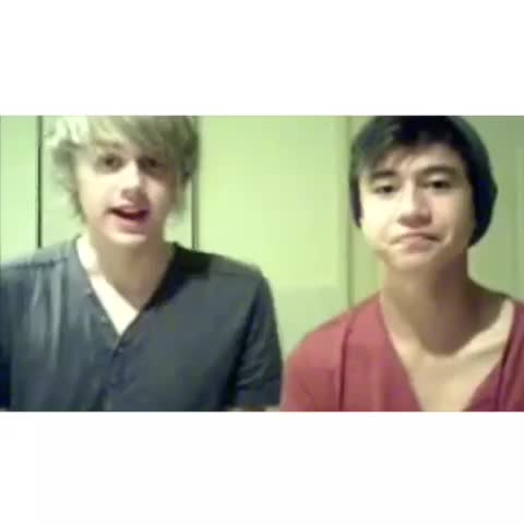 """Vine by 5sos clips ♡ - """"get us famous"""" """"yeah thatd be cool"""""""
