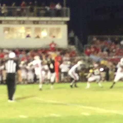 Vine by Amos Morale III - Heres a look at that 28 yard pick up by Israel Tucker #nolaprep