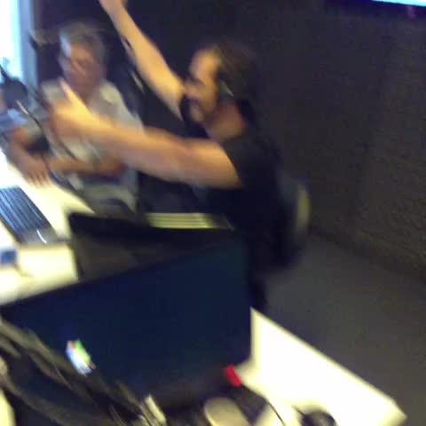 """Vine by MDZ Radio - Cantamos con """"La Buena Moza"""", murga  mendocina  en #UnoNuncaSabe"""