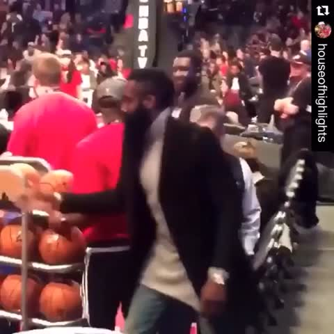 Vine by Bleacher Report - SQUAD. (h/t HouseofHighlights/IG, via Rczahed)