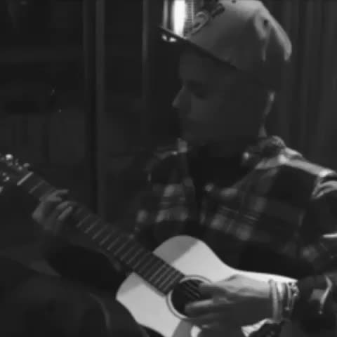 Vine by Justin Bieber - I WASNT READY OMG HE SOUNDS SO GOOD I WANT THAT SONG #justinbieber #justinbiebernewmusic