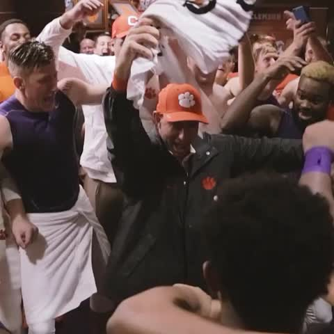 """Them boys up to something..."" What a time to be a Tiger! ???????????? #ALLIN #Clemson - Vine by Clemson Tigers - ""Them boys up to something..."" What a time to be a Tiger! 🐅🐾💯 #ALLIN #Clemson"