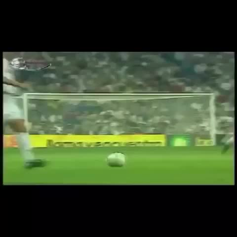 Vine by Best Football Moments - Great assist from David Beckham to Zidane #realmadrid #soccer #ZinedineZidane #beckham #goal