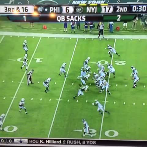 Vine by EA SPORTS Madden NFL - Tebow ⏰ in Philly??