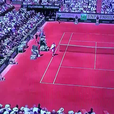 Vine by AA. - Can someone explain to me how planes fly backwards? #FrenchOpen