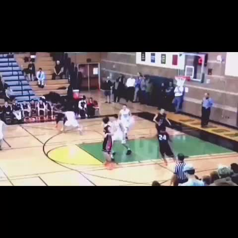 Vine by Austin Porcello - @mandrellworthy dunks on Roosevelt defender! #sctop10 #seattle #basketball
