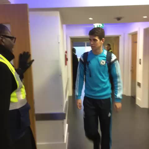 Vine by Chelsea FC - The #ChelseaFC team arriving at Stamford Bridge ahead of playing Manchester City... #CFC
