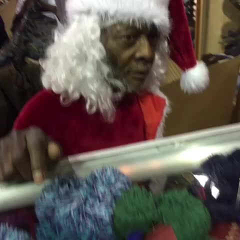 Vine by Exclusive773 - #LincolnBeLike #Exclusive773 bilingual Santa @exclusive773