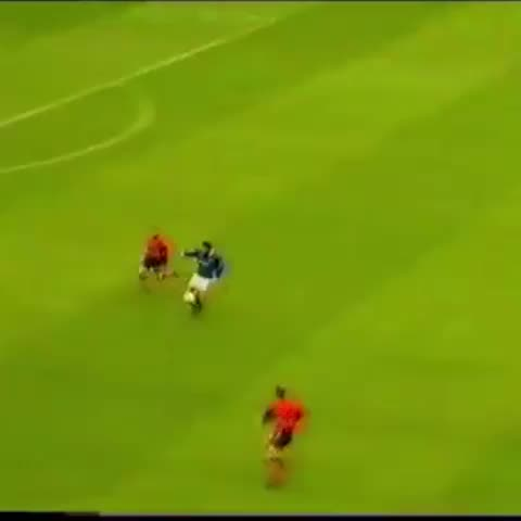 Marco Negris superb goal vs Dundee United for his hat trick in 1997 - Vine by Glagow Rangers Vines - Marco Negris superb goal vs Dundee United for his hat trick in 1997