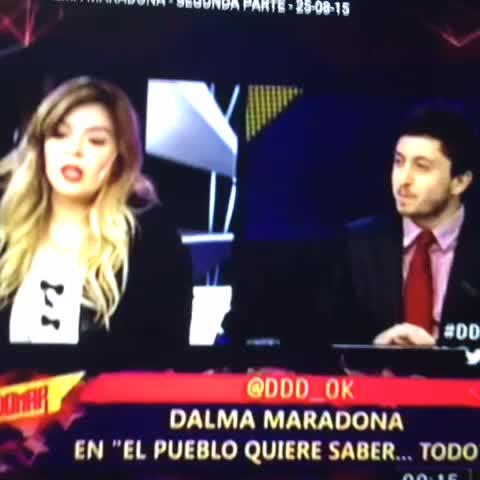 Vine by La 12 Twittera - @dalmaradona Atendiendo a una gallina  A LO BOCA